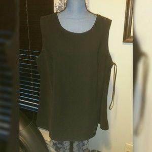 Black Jones Studio 20w, sleeveless blouse, GUC